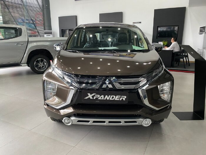Mitsubishi Xpander AT Nhập Khẩu 7 Chỗ Giá Rẻ - Tặng Quà 30 Triệu