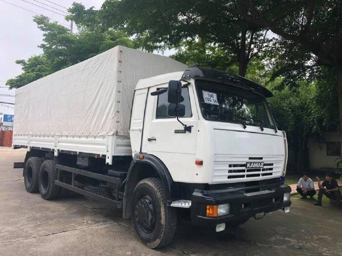 Xe tải thùng Kamaz 53229 (6x4) tải thùng Kamaz 3 giò thùng 6,3m